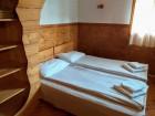 Нощувка за 16 или 20 човека в делнични дни в къщи Кандафери 1 и 2 в типичен еленски архитектурен стил - с. Мийковци, край Елена, снимка 30