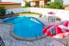 Лято в Ахелой. Нощувка със закуска + басейн в семеен хотел Искър, снимка 3