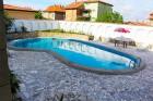 Лято в Ахелой. Нощувка със закуска + басейн в семеен хотел Искър, снимка 7
