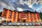 Нощувка на човек със закуска и вечеря + басейн в хотел Bellevue SKI &  SPA****, Пампорово