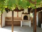 Нощувка за до 10 човека в самостоятелна къща Равеста с механа и камина в Еленския балкан, с. Руховци