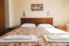 Нощувка за 6 човека в Добринище в къща Мария с трапезария и барбекю - комплекс Александриа