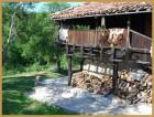 Нощувка за дo 12 човека + механа и барбекю с пещ само за 100.00 лв. в Старата Къща край Елена - с. Мийковци, снимка 9