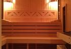 Нощувка със закуска в напълно оборудвана къща за 2, 4 или 6 човека + сауна, парна баня и джакузи във вилно селище Романтика форест, яз. Широка поляна