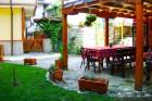 Почивка в Копривщица. Нощувка със закуска + басейн само за 21 лв. в Тодорини къщи