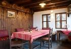 Нощувка със закуска на човек в Къщата с Лозницата, Жеравна