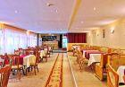Нощувка на човек със закуска за 20 лв. в хотел Зора, Велинград.