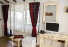 Нощувка на човек със закуска, обяд и вечеря + минерален басейн и релакс зона в Семеен хотел Емали, Сапарева Баня, снимка 14
