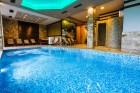 Нощувка на човек със закуска и вечеря + басейн и джакузи с МИНЕРАЛНА вода в хотел Огняново***