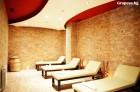 Нощувка на човек със закуска и вечеря + уникален СПА център в комплекс Боровец Хилс 5*