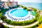 Лято на 1-ва линия в Ахелой! Нощувка за 2-ма с дете или 4-ма + басейн в хотел Марина Кейп