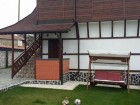 Нощувка за 7+2 човека + трапезария и просторен двор-градина в къща Гикинска край Сандански - с. Джигурово