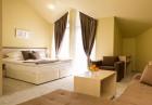 Пролетна ваканция край Банско с горещ минерален басейн! 2 или повече нощувки на човек със закуски и вечери + релакс център от хотел Севън Сийзънс, с.Баня