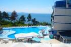 На първа линия в Поморие! Нощувка на човек със закуска, обяд и вечеря + басейн в апарт хотел Блу Бей Палас