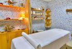 Свети Валентин в хотел Аква, Бургас. Нощувка на човек със закуска и романтична вечеря + басейн и релакс пакет