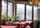 Великден на брега на язовир Доспат! 3 нощувки на човек със закуски и вечери, едната празнична от семеен хотел Емили, Сърница