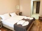 Нощувка на човек със закуска, обяд и вечеря + топъл басейн само в хотел Велиста, Вонеща вода, снимка 13