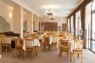 Нощувка на човек със закуска, обяд и вечеря + топъл басейн само в хотел Велиста, Вонеща вода, снимка 10