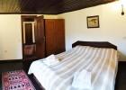 Наем на самостоятелна къща за 1, 2 или 3 нощувки за до 17 човека + ползване на механа в Парлапанова къща, Боженци