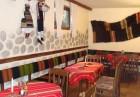 Нощувка на човек със закуска и вечеря + сауна от стаи в къща за гости Планински Здравец, Банско