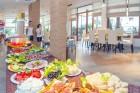 Лято в Китен на ТОП ЦЕНИ с богато изхранване на блок маса! Нощувка, закуска, обяд и вечеря + напитки и басейн в Хотел ЕОС**