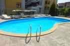 Лято на 80м. от плажа в Свети Влас. Нощувка за 2, 3, 4 или 6 човека + басейн в Къща за гости Дейзи