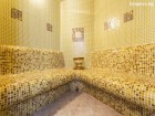 2 нощувка на човек със закуски + басейн и релакс зона в хотел Топ Лодж, Банско