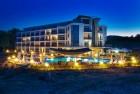 01.05 - 20.06 на брега морето, на плажа Каваци! Нощувка на човек в хотел Южна Перла