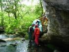 Влизане в пещера Водопада с лодка от Активни.бг