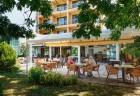Нощувка на човек със закуска и вечеря в хотел Парадайс, Поморие