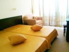 Нощувка със закуска или закуска и вечеря за двама в семеен хотел Блян, на 1-ва линия в Равда