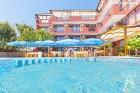 Нощувка на човек със закуска и вечеря + басейн в хотел Аклади***, Черноморец