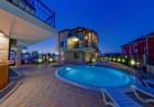 Лято в Созопол със семейството и приятели! Нощувка за до 4-ма или за до 6-ма в хотел Созопол Пърлс***