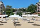 Нощувка на човек със закуска, обяд и вечеря + чадър и шезлонг на плажа от хотел Извора, на 1-ва линия в Златни Пясъци, снимка 4