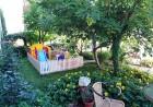 Нощувка на човек със закуска + басейн в семеен хотел Кандрови, на 50м. от плажа в Созопол, снимка 4