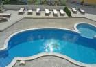 Нощувка на човек + басейн в Апартаменти Голдън Хаус, Златни пясъци