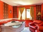 Нощувка за двама + басейн от Семеен хотел Кълвачеви, Цигов чарк