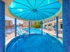 Нощувка на човек със закуска + басейн в хотел Пешев, Свети Влас