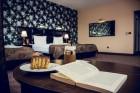 Нощувка на човек със закуска, обяд и вечеря + басейн и релакс пакет в хотел Здравец Уелнес и СПА****