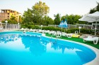 Лято край Варна! Нощувка на човек със закуска + басейн в хотел Гардия, к.к. Чайка, Златни Пясъци, снимка 3