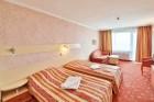 Лято край Варна! Нощувка на човек със закуска + басейн в хотел Гардия, к.к. Чайка, Златни Пясъци, снимка 4