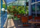 Нощувка на човек със закуска + отопляем басейн в хотел Дара***, Приморско, снимка 4