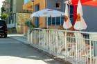 Нощувка на човек със закуска + отопляем басейн в хотел Дара***, Приморско, снимка 15