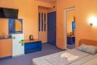 Нощувка на човек със закуска + отопляем басейн в хотел Дара***, Приморско, снимка 6