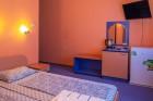 Нощувка на човек със закуска + отопляем басейн в хотел Дара***, Приморско, снимка 7