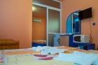 Нощувка на човек със закуска + отопляем басейн в хотел Дара***, Приморско, снимка 14