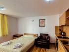 Нощувка на човек със закуска или закуска и вечеря + басейн и релакс зона от Комплекс Четирилистна Детелина, Банско