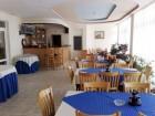 Нощувка на човек със закуска или закуска и вечеря + басейн в хотел Лариса, Свети Влас