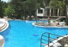 Юни в Парк хотел Бриз***, Златни Пясъци! Нощувка на човек със закуска и вечеря + басейн. Дете до 12г. - БЕЗПЛАТНО!