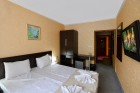 Лято 2019 във Велинград. Нощувка на човек със закуска, обяд и вечеря + МИНЕРАЛЕН басейн в хотел Селект 4*, снимка 10